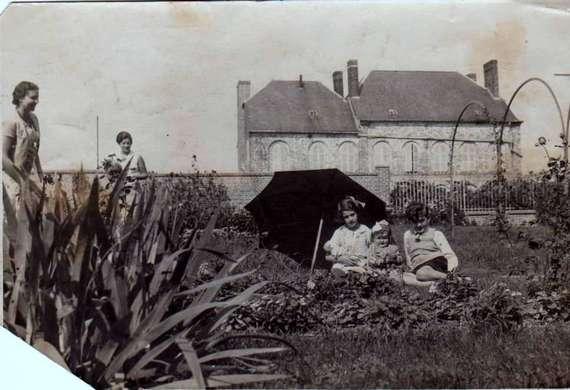 Famille pestel for Au jardin de la famille de fabreville